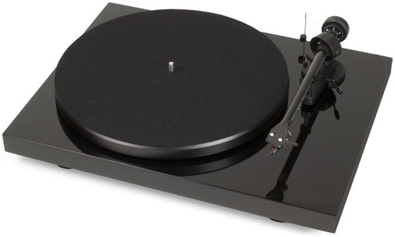 Debut Carbon DC 2M Red pro-ject